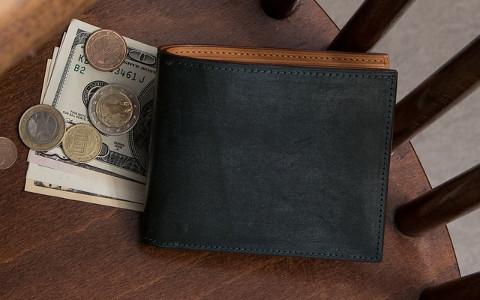二つ折り革財布メンズ